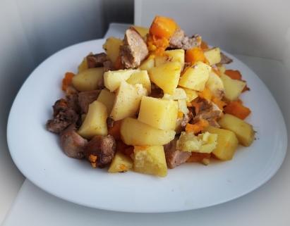 картофель с мясом и тыквой в духовке