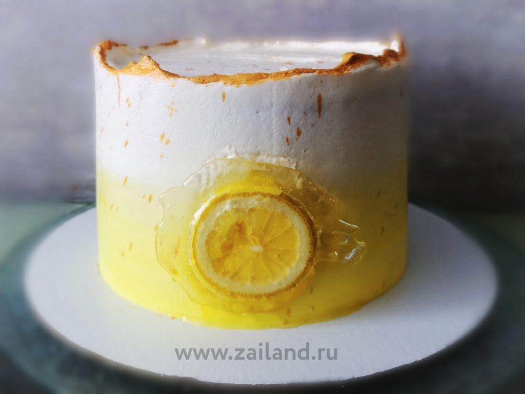 торт с маковым коржом лимонным курдом и ягодами