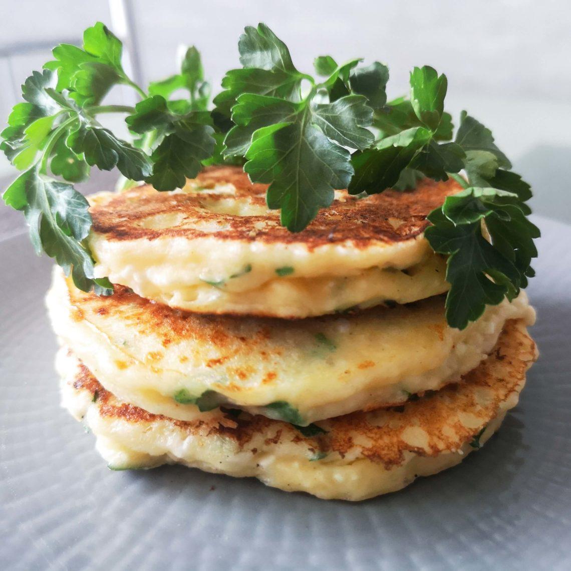 Сырные лепешки с моцареллой