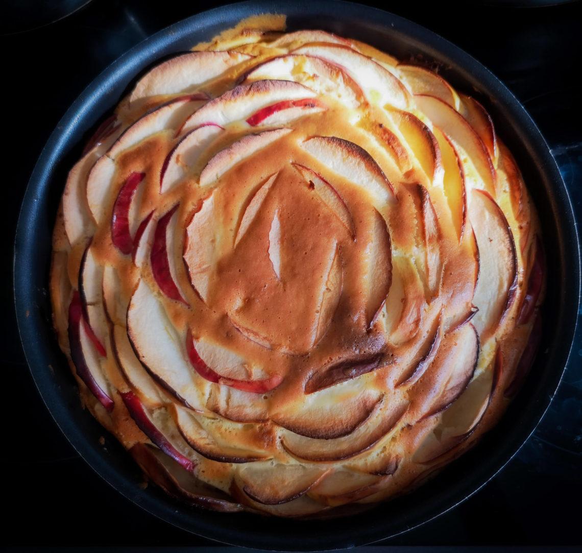 яблочный пирог вкуснее шарлотки