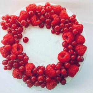 Венок из ягод
