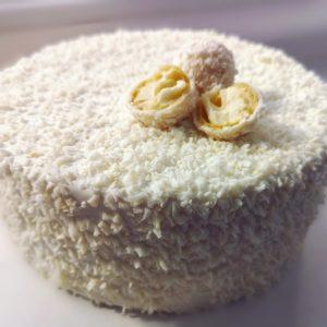 Торт Рафаэлло с малиной
