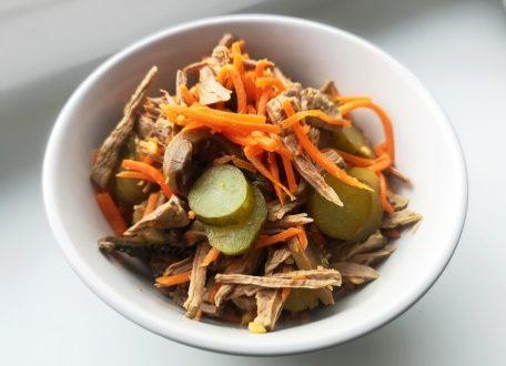Салат с корейской морковью и говядиной под майонезом