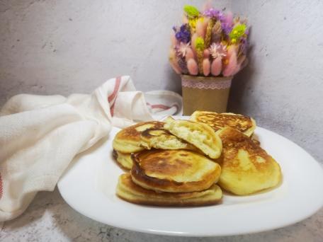 Пышные оладьи на завтрак самый быстрый рецепт
