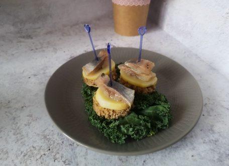 Закуска на праздничный стол Селедка на шпажке