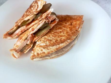 Быстрый и вкусный завтрак из лаваша с начинкой