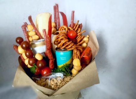 Отличная идея для подарка мужчине - съедобный букет