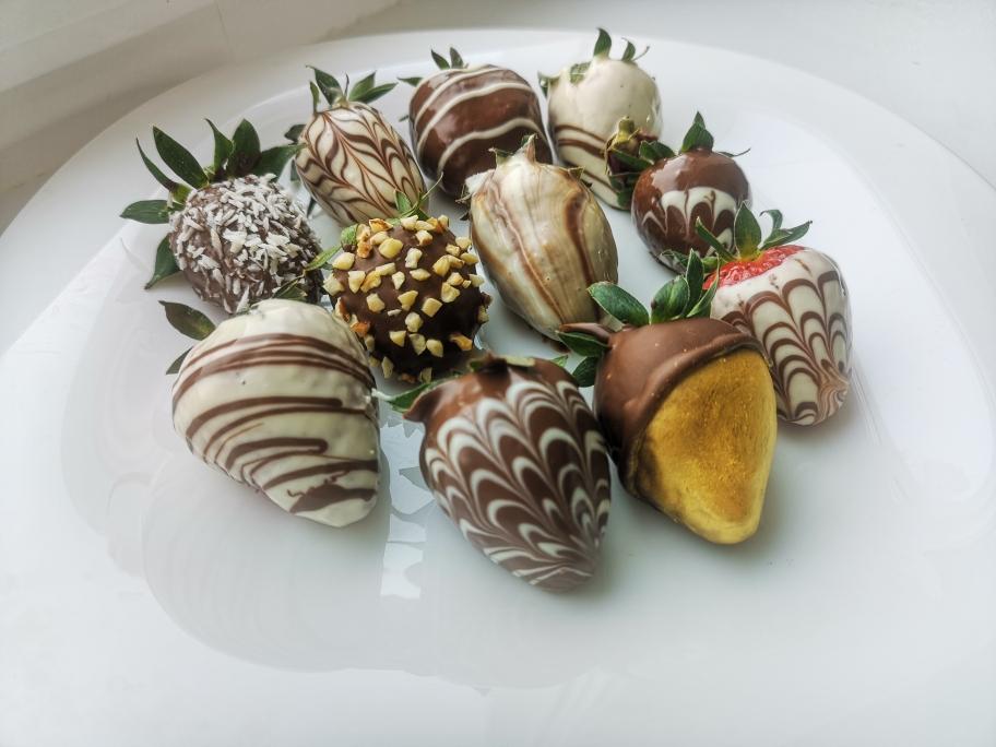 Клубника в шоколаде к празднику своими руками